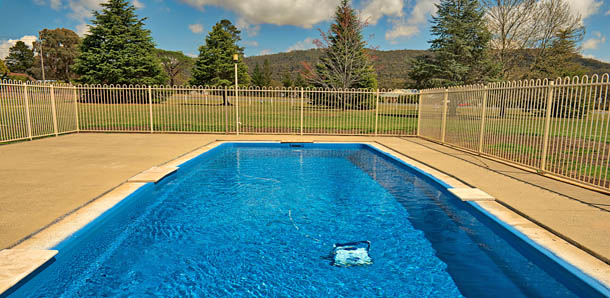 Relax by the pool at Bushman's Motor Inn Lithgow